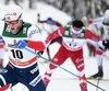 Alex Harvey (à l'arrière-plan) a réagi à l'attaque du Norvégien Martin Johnsrud Sundby dans l'avant-dernière montée de la poursuite de 15km de dimanche, signe d'un niveau de forme inédit en début de saison.