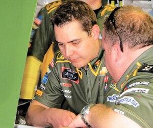 Étienne Cliche (à gauche) et Nick Harrison sont les architectes des performances de la voiture pilotée par Austin Dillon en fin de semaine à Daytona en Série Xfinity.