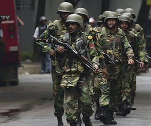 Bangladesh: la police annonce avoir abattu le cerveau de l'attaque du café de Dacca