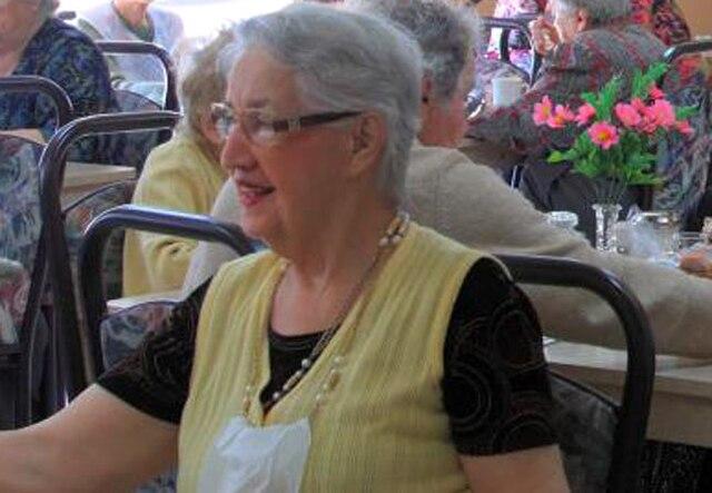 Jacqueline Caron, 89 ans - Fille de Marie Boucher et de Louis Caron, elle était la dernière de sa lignée. Née le 26 juin 1924, la dame était native de Saint-Paul de la Croix. La nièce, Marie Caron, parle d'une dame en santé qui aimait énormément la vie. «C'est la seule tante qui nous restait», a-t-elle souligné.
