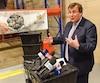 Le min Francois Blais annonce une importante subvention a Moisson Quebec