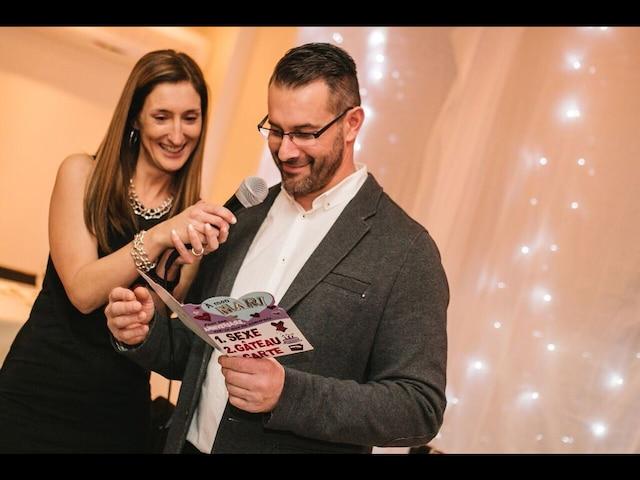Entre le gâteau, le sexe et la carte, Daniel a choisi la carte…  et il s'est marié!