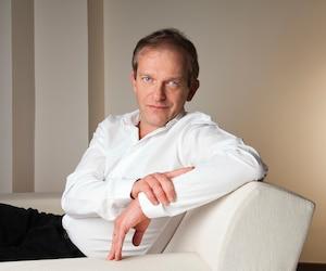 Le Dr Frédéric Saldmann donne des trucs pratiques pour prendre soin de son corps.