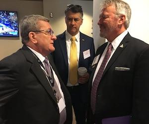 Le maire Régis Labeaume a rencontré son homologue d'Orlando, Buddy Dyer.