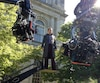 L'acteur Michael Fassbender sur le plateau de tournage du film «X-Men : Jours d'un avenir passé», en 2015, à l'hôtel de ville de Montréal.