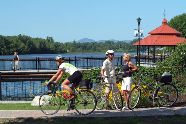 Les cyclistes peuvent parcourir un réseau de 125 kilomètres autour de Sherbrooke.