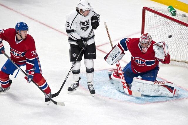 Un arrêt de Carey Price en première période lors du match opposant les Kings de Los Angeles et le Canadien de Montréal au centre Bell de Montréal.