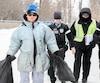 Simulation d'intervention policière à L'École nationale de police du Québec (ENPQ) avec un itinérant montrant des problèmes de santé mentale. Le comédien Steve Bédard trouve parfois difficile de jouer pendant des heures des personnages qui ont des démêlés avec les policiers.