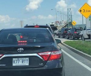 Des travaux effectués sur le pont de l'Île-d'Orléans ont causé des délais pour les automobilistes et usagers de la route, jeudi après-midi.