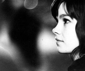 L'actrice Geneviève Bujold dans une scène du film Entre la mer et l'eau douce qui a pris l'affiche pour la première fois en 1967.