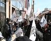 Des travailleurs du Chantier Davie manifestent devant les bureaux du député fédéral Jean-Yves Duclos, à Québec, le lundi 26 mars 2018.