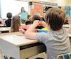 Des écoles cherchent des solutions au manque de personnel dans leur service de garde.