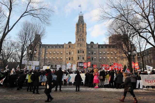Une manifestation de l'Association québécoise des centres de la petite enfance a eu lieu jeudi matin devant le Parlement.