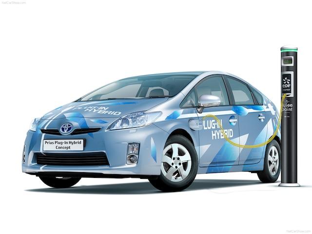 Au Salon de l'Auto de Francfort de 2009, Toyota a dévoilé une version conceptuelle de sa Prius enfichable.