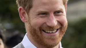 Le prince Harry brise la tradition familiale