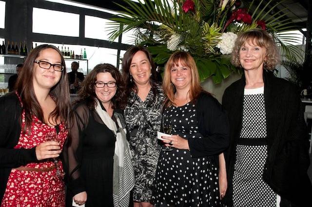 Julie Gagnon, Nathalie Bernier, Nathalie Devost, Caty d'Amour et Ghislaine Morin de chez Cossette Media.