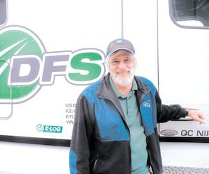 Après avoir pris sa retraite trop tôt, Daniel Turenne est retourné sur le marché du travail en se recyclant dans le camionnage.