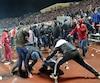 Les partisans du Spartak de Moscou sont notoirement turbulents et quelques-uns d'entre eux ont étendu leur allégeance à l'équipe de hockey.