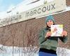 Karine Lizotte s'est rendue à l'école Camille-Marcoux de Sept-Îles pour lire son conte aux élèves. Sa fille Fay Elie s'est écroulée juste devant l'établissement alors qu'elle s'y rendait pour une soirée dansante, le 7octobre 2016.