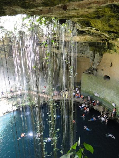 Le cénote Ik Kil et ses eaux rafraîchissantes, au Mexique.