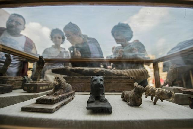 Le site de Saqqarah est une vaste nécropole de la région de l'ancienne Memphis, où se trouvent d'innombrables tombes et les premières pyramides pharaoniques.