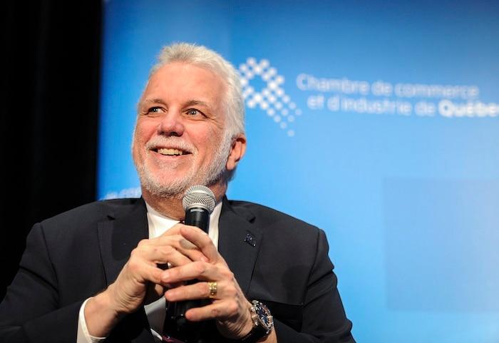 Le premier ministre, Philippe Couillard, jubilait devant la Chambre de commerce et d'industrie de Québec quand il s'est fait demander comment son parti pouvait accélérer et faciliter l'insertion en emploi des immigrants pour répondre au besoin urgent de main d'oeuvre vécu dans la région de Québec.
