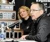Christian Côté, président du comité organisateur de la Coupe Vanier, était accompagné de Julie Dionne, directrice des activités sportives de l'Université Laval, lundi, pour la présentation des détails entourant l'événement de samedi au PEPS.