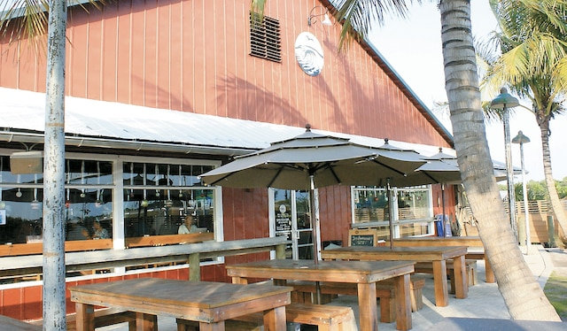La terrasse de la Saltwater Brewery,  à Delray Beach.