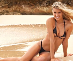 Eugenie Bouchard s'est de nouveau prêtée au jeu des photos sexy pour le magazine Sports Illustrated.