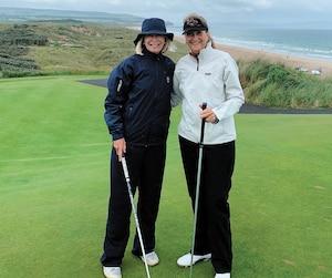 Diane Dunlop-Hébert et Debbie Savoy Morel ont eu la chance de fouler les allées du Dunluce Links, site de l'Omnium britannique.