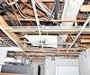 un des plafonds du logement qui a été abîmé.