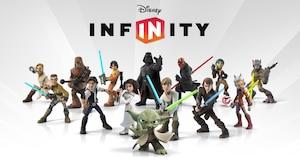 <em>Disney Infinity</em> propose au joueur de collectionner des figurines de l'univers de Disney, Star Wars et Marvel, qui prennent ensuite vie dans le jeu.