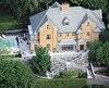 La maison actuellement la plus chère en vente à Montréal sur la Place Braeside à 13 M$.