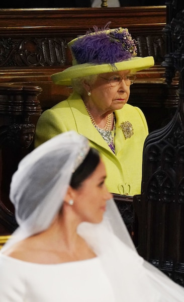La reine Elizabeth II et la mariée.