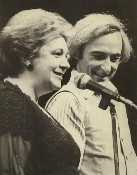 Lise Payette et Yvon Deschamps.
