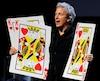 L'illusionniste et magicien Alain Choquette est dans la Vieille Capitale pour présenter son tout nouveau spectacle intitulé Drôlement Magique.