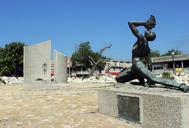 La statue du nègre marron; symbole de liberté.