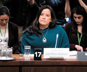 L'ex-ministre Jody Wilson-Raybould en a surpris plus d'un en rendant public un appel entre le greffier du Conseil privé et elle, soulevant des questions sur ce qu'il est légal ou non de faire.