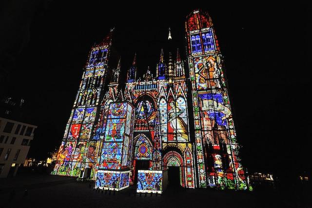 Spectacle de lumières sur la cathédrale