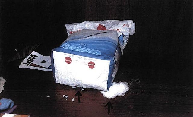 Des sacs contenant du sucre, des bonbons ou encore du couscous ont dû être jetés après le passage des inspectrices puisqu'ils avaient été rongé.