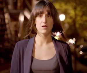 Dans Les Simone, le personnage de Maxim subit une agression.