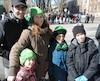 Les adultes, les enfants et même les animaux de compagnie ont porté du vert à l'occasion de la grande fête irlandaise. Les gens étaient ravis de voir la parade passer directement sur Grande Allée, à l'occasion de la 8e édition du défilé.