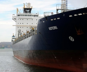 La Davie tente de convaincre Ottawa d'investir dans la construction d'un deuxième navire ravitailleur, semblable à l'Asterix (photo), qui a été livré à la fin 2017.
