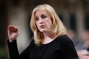 La ministre des Transports, Lisa Raitt.