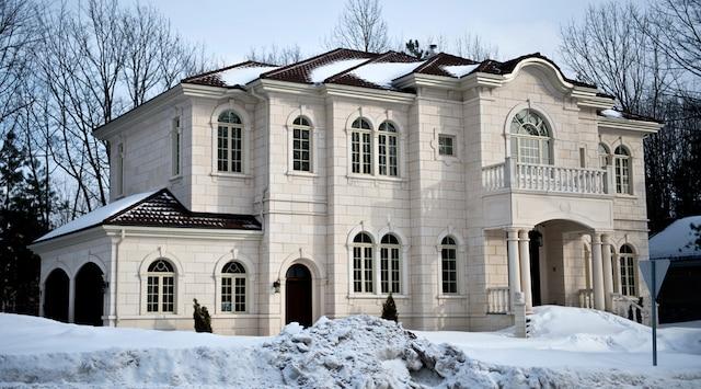 Les propriétés du thanatologue Patrick Fortin seront saisies si celui-ci ne parvient pas à rembourser la somme de 1,4M$ à ses créanciers avant la mi-avril.