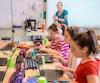 Lors du passage du Journal dans la classede Judith Beaumier-Primeau, les élèves devaient notamment faire une recherche efficace de photos et d'information sur internet, une compétence souvent tenue pour acquise chez les jeunes.