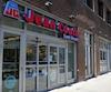 La transaction fait en sorte que Jean Coutu devient une filiale «à part entière» de Metro et qu'elle gèrera désormais l'ensemble du secteur pharmaceutique du groupe.