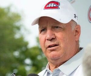 Claude Julien n'était pas prêt à parler du prochain capitaine du Canadien, lundi, lors du traditionnel tournoi de golf de l'équipe.