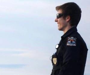Thierry Leroux, un jeune policier de 26 ans, est mort en fonction en février 2016 alors qu'il intervenait dans la communauté autochtone de Lac-Simon.