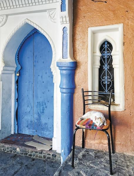Une des nombreuses portes colorées  de Chefchaouen